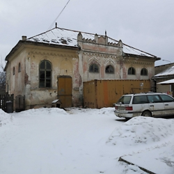 Abandoned synagogue in Radăuţi. CREDIT: Julie Dawson