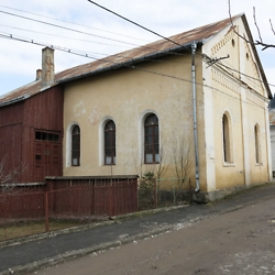 Side view of the synagogue in Gura Humorului. CREDIT: Timothy Ryan Mendenhall